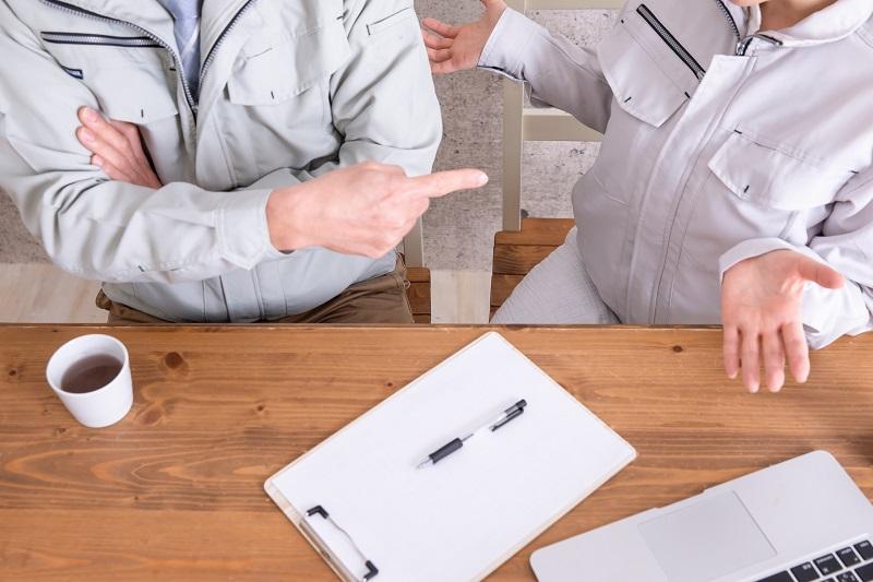 コロナ解雇・雇止めは違法?違法となるケースや実施ポイントとは|正社員・契約社員・派遣社員別解説!